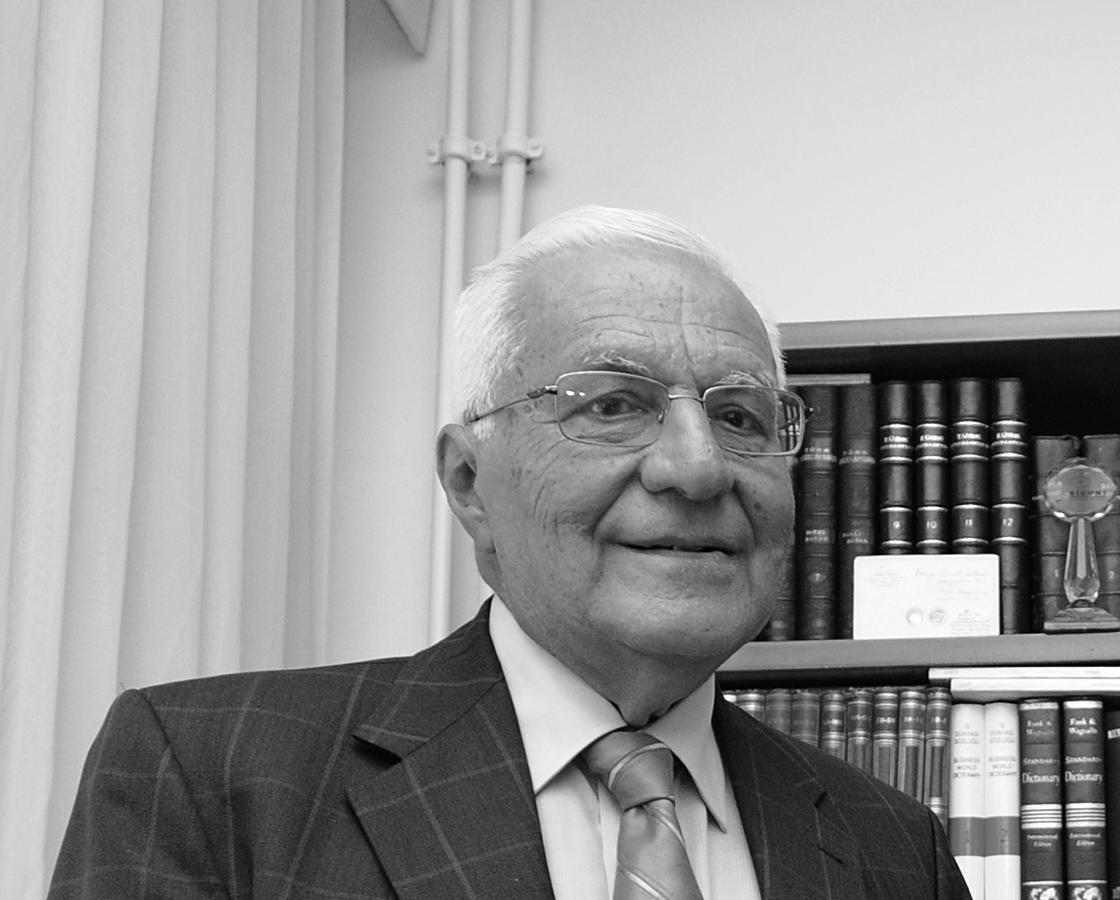 Prof. Dr. Özcan Köknel