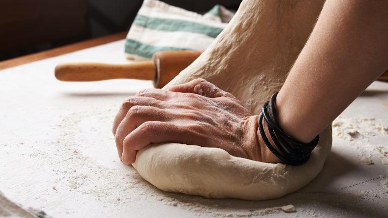 Emine Şahin, 'ekmekle terapi'yi anlatıyor!