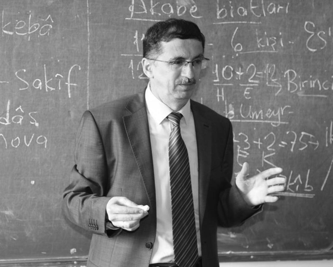 Dr. Casim Avcı