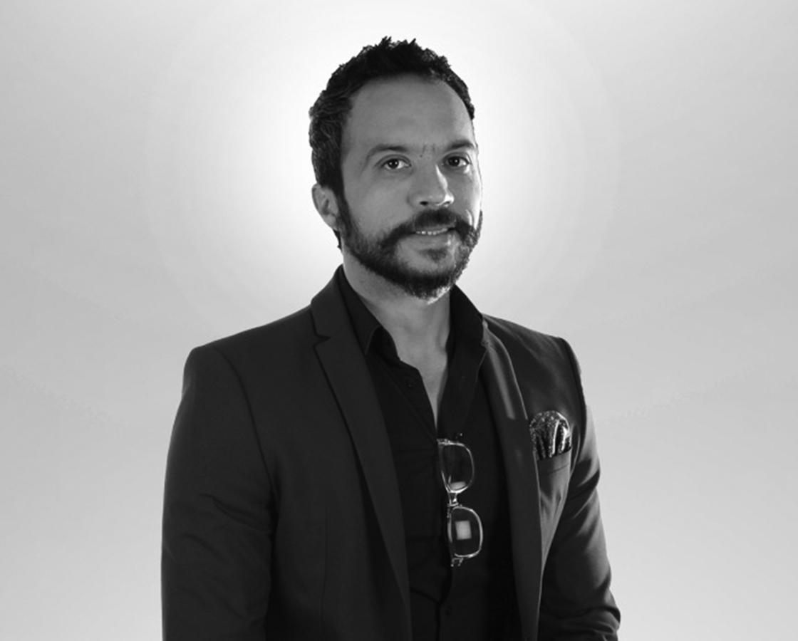 Psikolog Dr. Mehmet Şakiroğlu